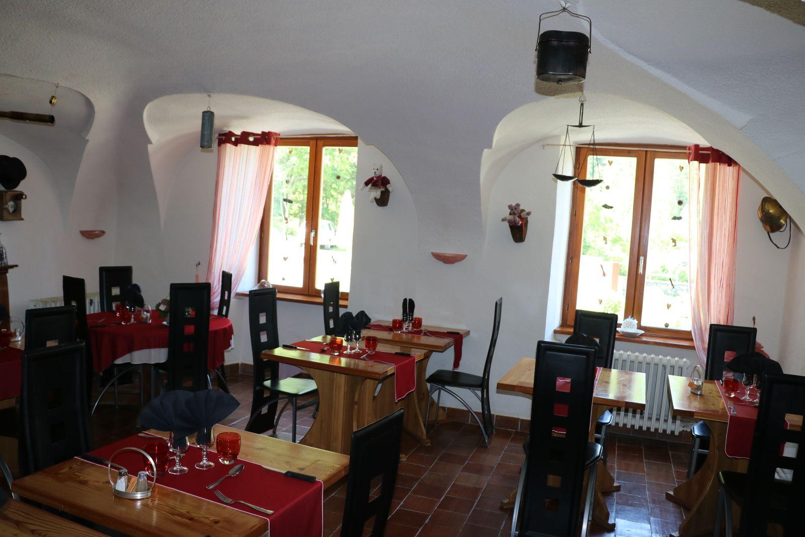 Restaurant-villar-d-arene1.jpg
